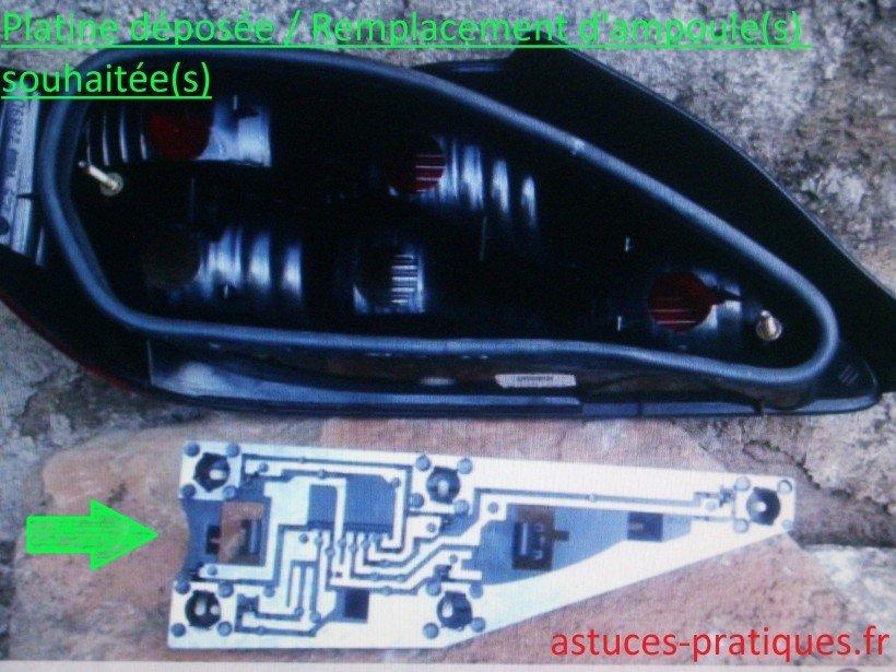 Platine déposée / remplacement d'ampoule(s)