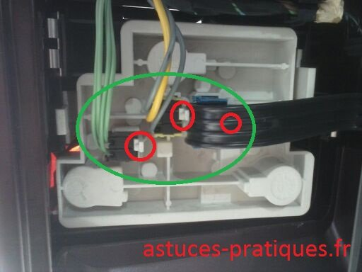 Dépose connectiques électriques