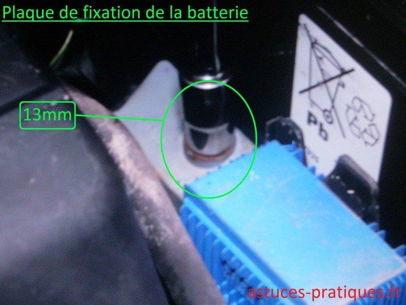 Plaque de fixation de la batterie