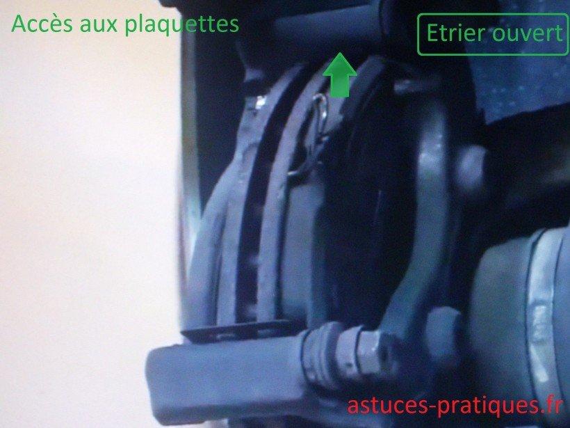 accès plaquettes de freins