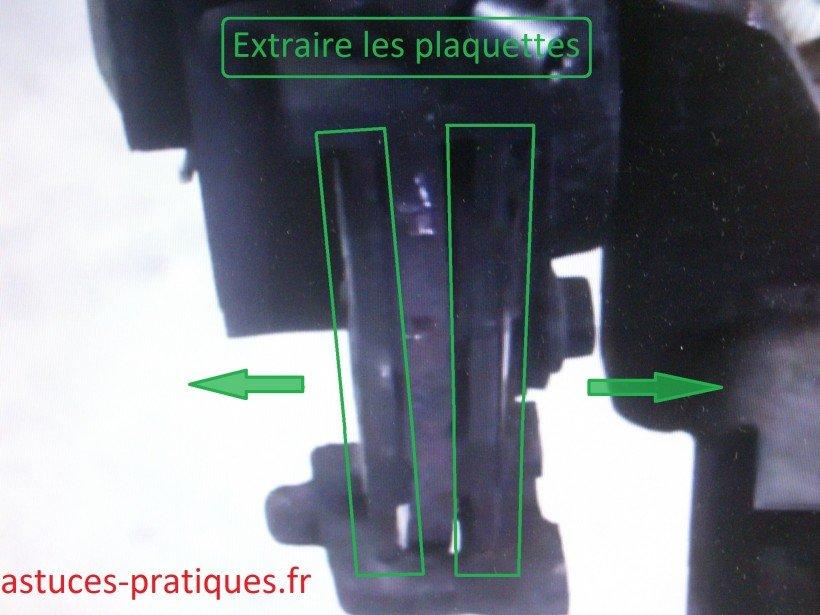 Dépose plaquettes de freins