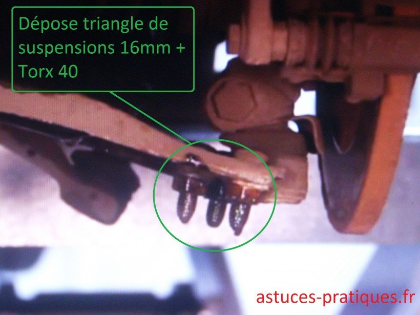 Dépose triangle de suspension