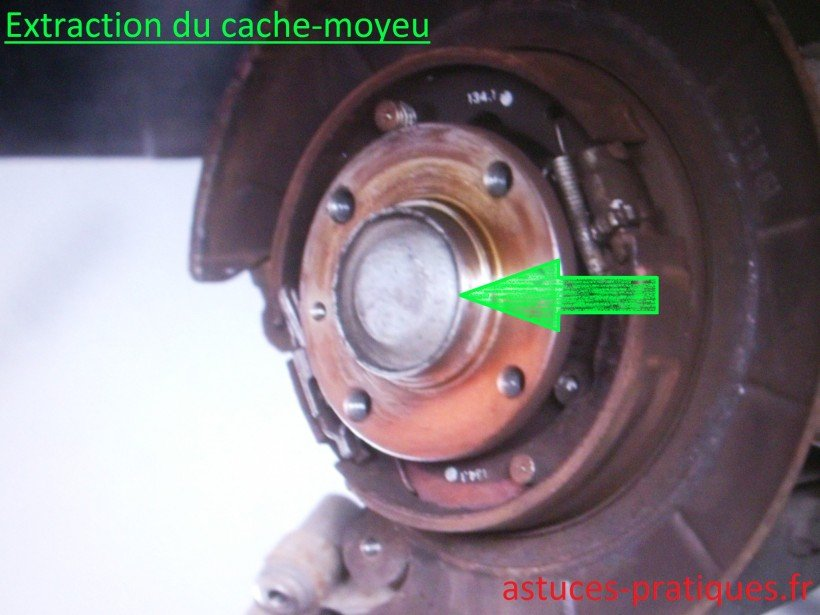 Extraction du cache-moyeu