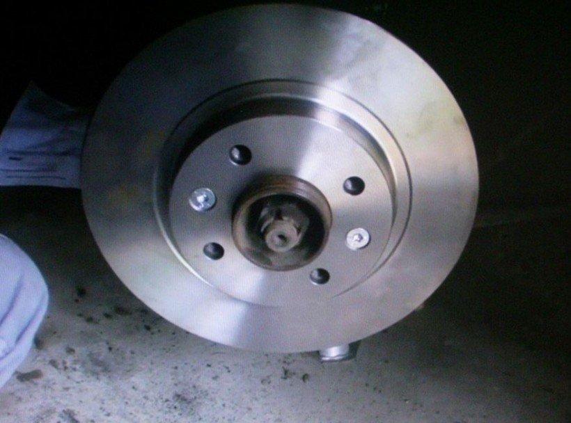 remplacement disque frein clio 2