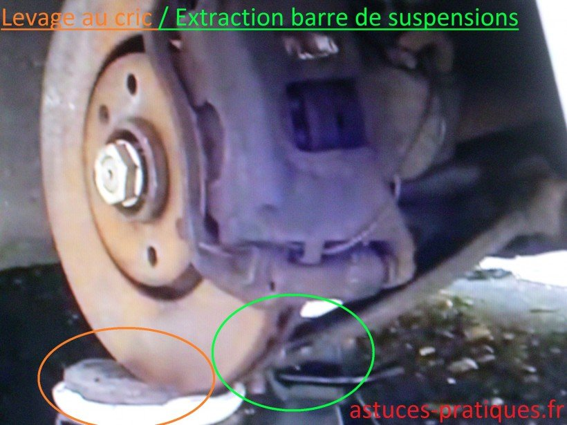 Levage au cric / Extraction barre de suspensions