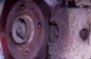 Remplacer disques de freins avant sur Golf 3