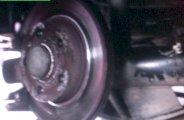 Remplacer disques et plaquettes de freins arrière sur Golf 4