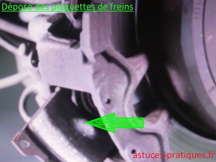 Dépose des plaquettes de frein