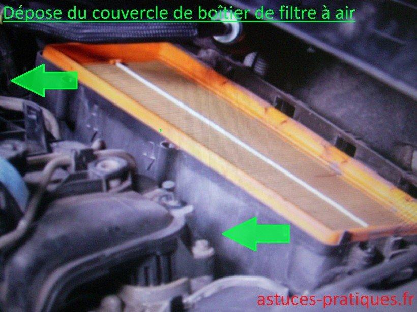 Dépose couvercle de boîtier de filtre à air