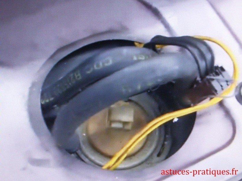 Dépose pompe à essence 01