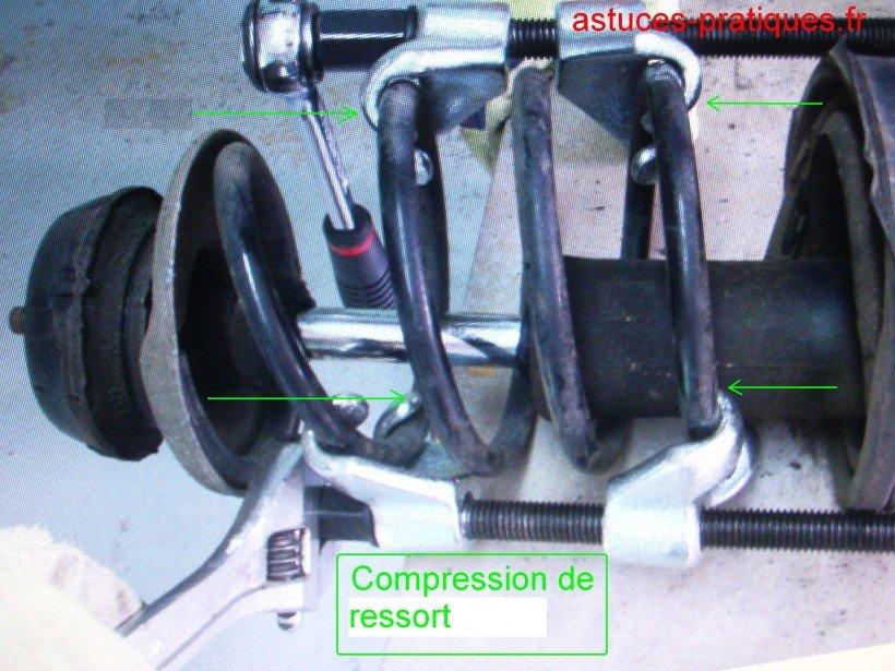 Dépose de l'amortisseur 02 / Outil compresseur de ressort