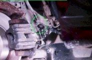 Remplacer les étrier de freins arrière sur Golf 5