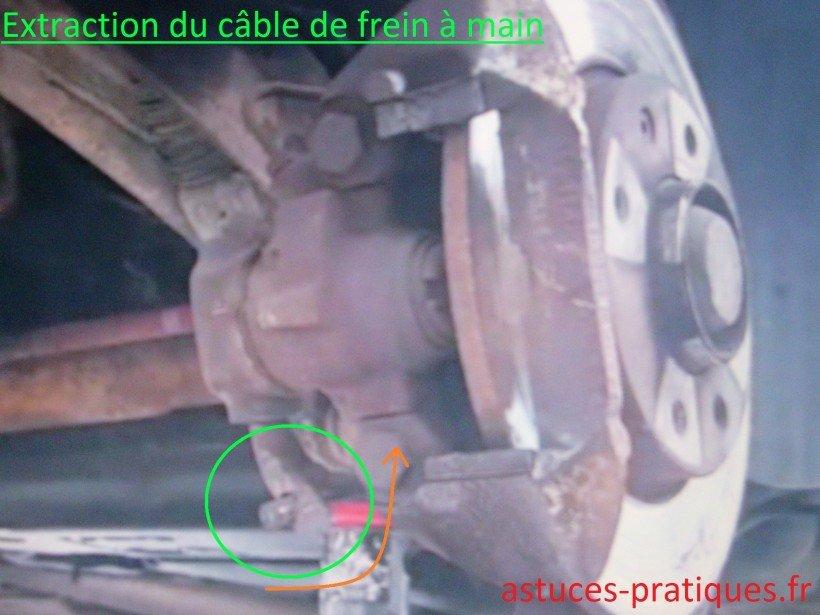 Extraction du câble de frein à main