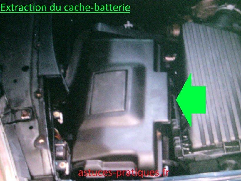 Extraction du cache-batterie