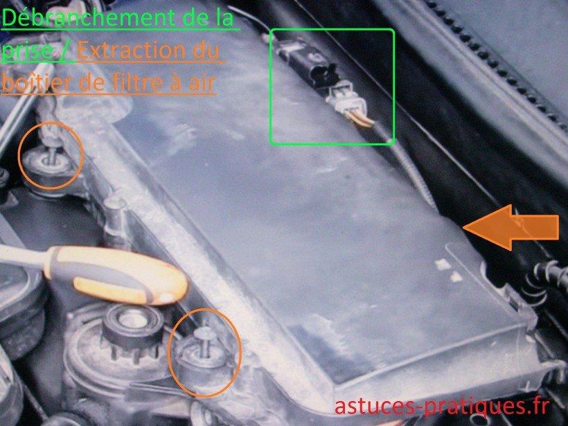 Débranchement prise / Extraction boîtier de filtre à air