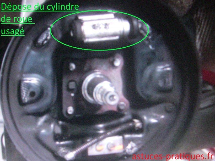 Dépose cylindre de roue usagé