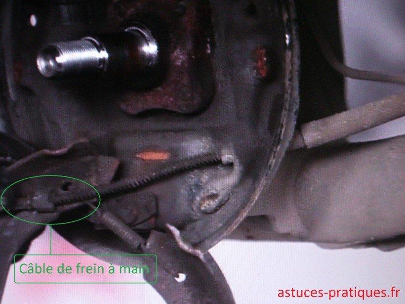 Dépose garnitures de freins