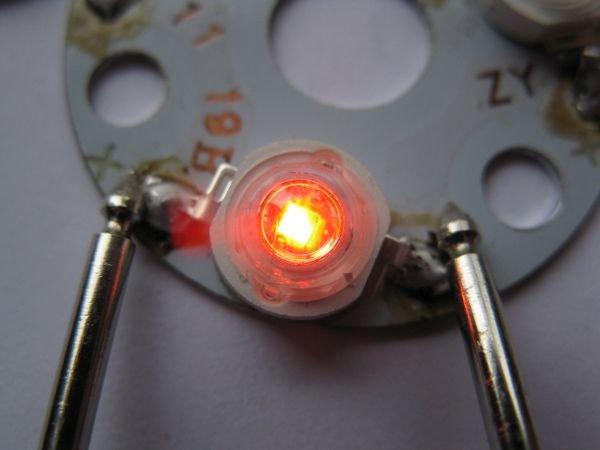 tester led multimètre polarité