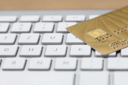 La moitié des français se disent pour la banque en ligne