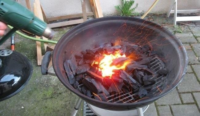 allumer barbecue avec décapeur thermique