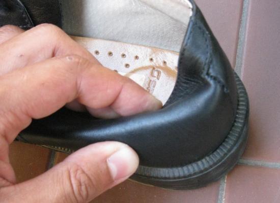 assouplir un contrefort de chaussure en cuir 7