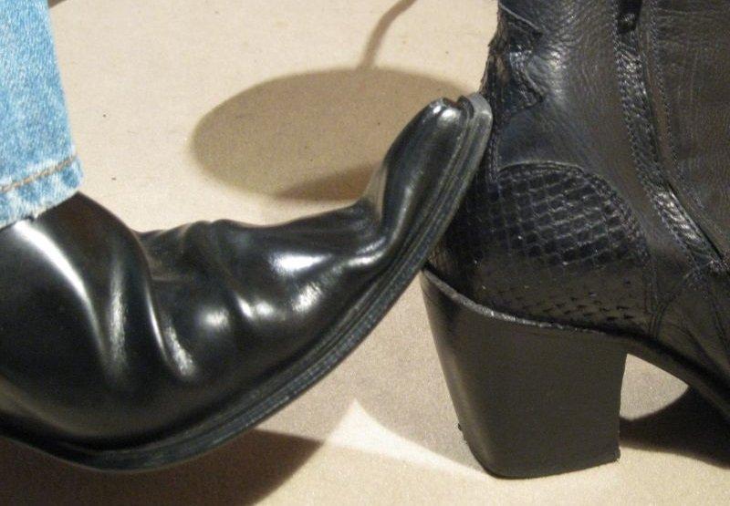 bout dur et contrefort chaussure cuir