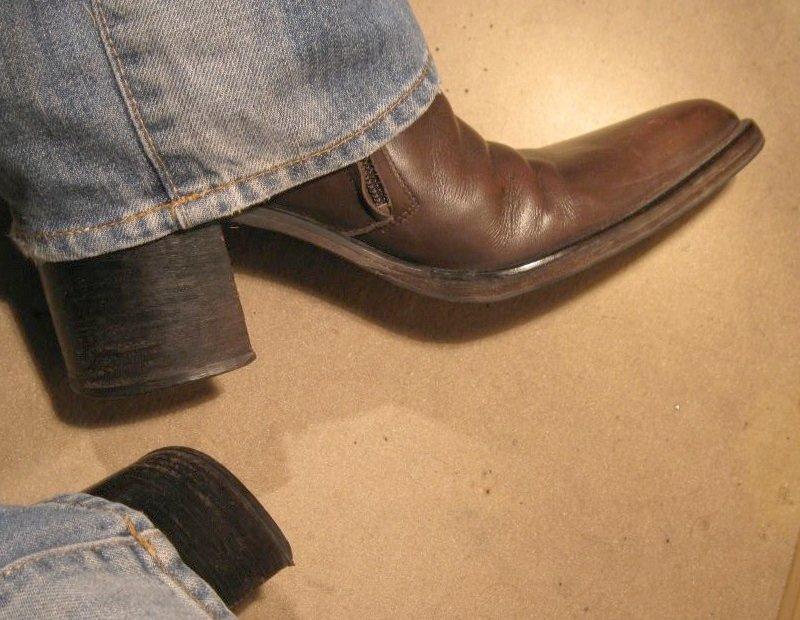 chaussure bout dur rigide plie