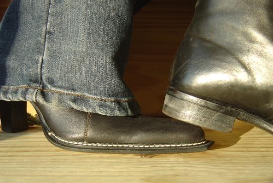 le bout dur des chaussures 5