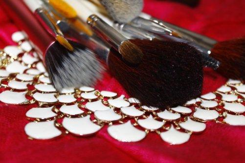 Pinceau De Maquillage, Maquillage, La Mode, Bijoux