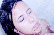 Eau chaude ou eau froide pour votre peau ?