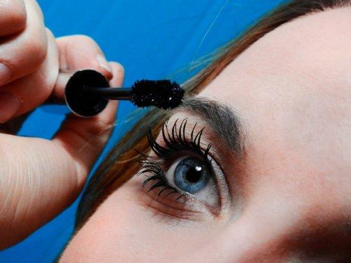 maquiller les yeux sensibles