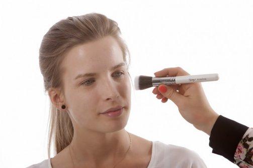 pour-contre-pinceaux-maquillage