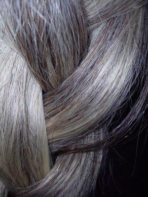apparition-cheveux-blancs