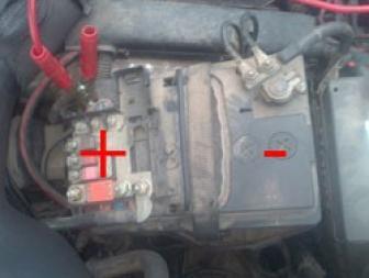 brancher des cables de batterie 4