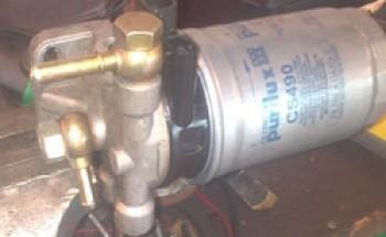 changer le filtre a gasoil sur alfa 147 14