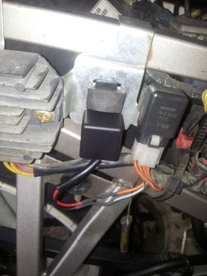 changer le relais clignotant sur gs 500 20