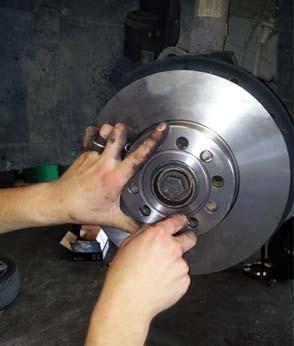 changer les disques et plaquettes de frein sur audi a3 11