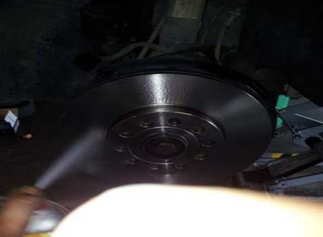 changer les disques et plaquettes de frein sur audi a3 13