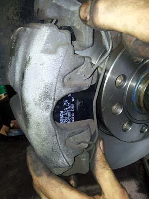 changer les disques et plaquettes de frein sur audi a3 4