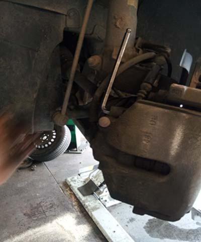 changer les disques et plaquettes de frein sur audi a3 5