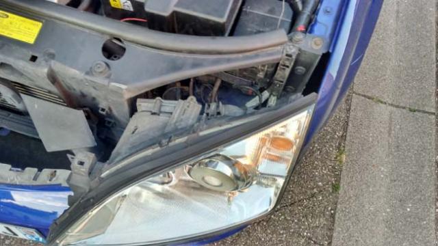 changer une ampoule avant ford mondeo 3 10