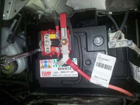 changer une batterie sur une renault twingo 7