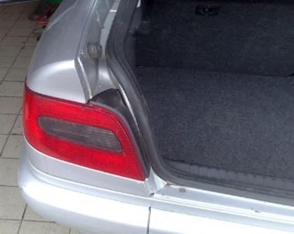 Démonter feu arrière Citroën xsara