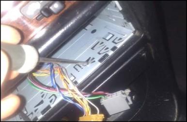 installer un autoradio 2