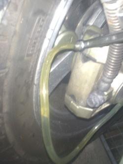 purge de frein sur moto 9