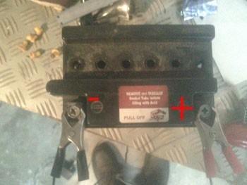 recharger une batterie moto 7