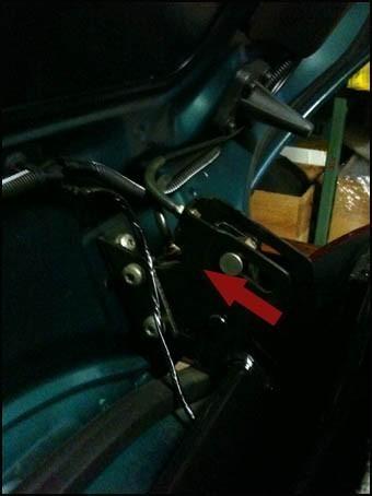 changer le cable de verrouillage du toit de 206 cc 11