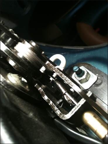 changer le cable de verrouillage du toit de 206 cc 15