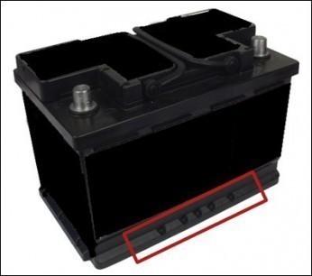 d monter et sortir la batterie sur audi a3 8p. Black Bedroom Furniture Sets. Home Design Ideas