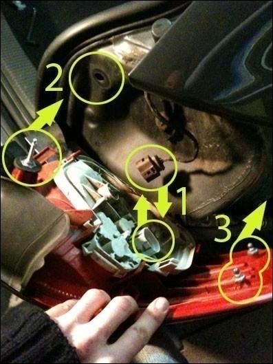 demonter ou changer les feux arriere sur audi a3 8p 4